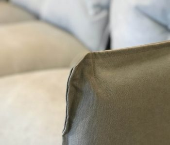 closeup bank met chaise