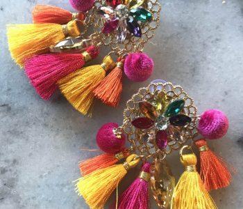 oorbellen gekleurd met tassels