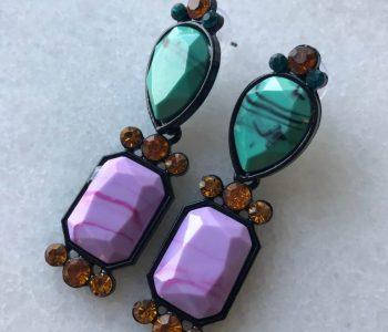 Oorbellen met paarse steen