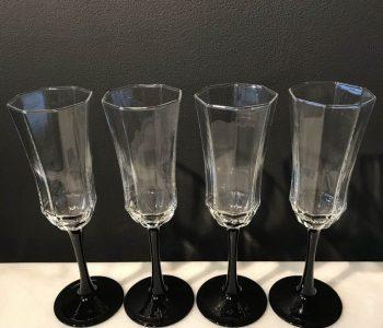 champagne glazen hoekig