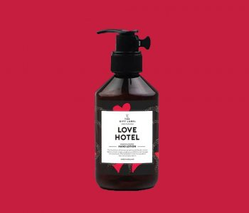 LAYOUTFORPHOTOSHOP_the gift label_handlotion_lovehotel_webpackshot
