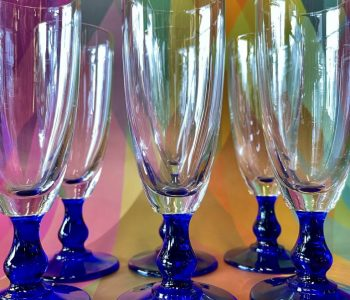 ChampagneServiesTablewareGlazenGlasBlauweVoetGekleurdKobaltBlauwBlueOudNieuwsTwello